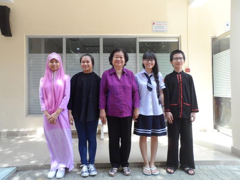 Nguyên Phó chủ tịch nước Trương Mỹ Hoa gặp gỡ học sinh ươm mầm tương lai - ảnh 2