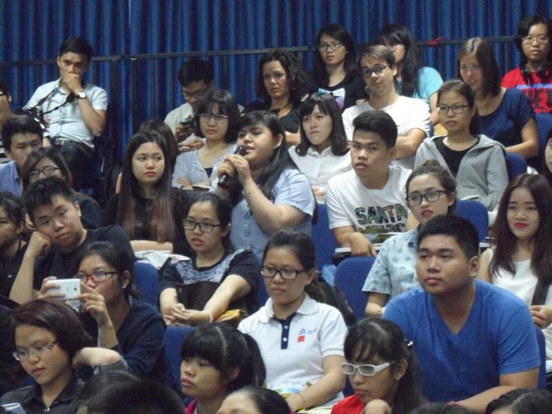 Christine Hà: 'Cuộc sống không vì nỗi đau của vài người mà dừng lại'. - ảnh 6