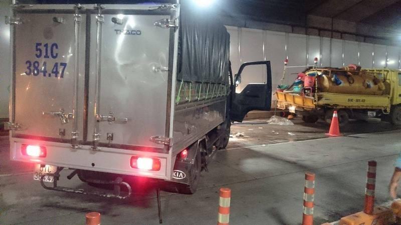 Tài xế gây tai nạn trong hầm Thủ Thiêm ra trình diện - ảnh 1