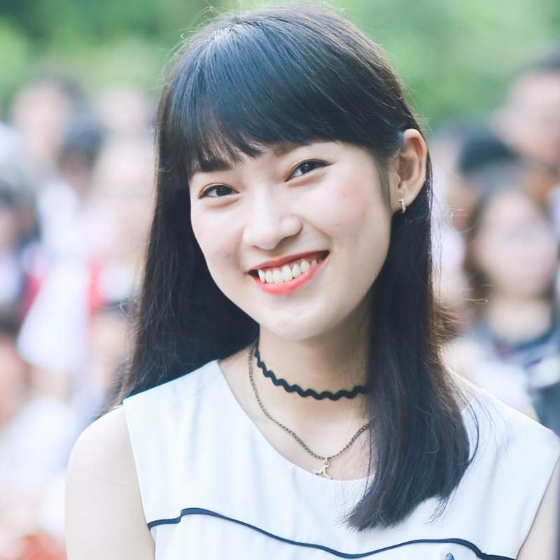 Nữ sinh Nghệ An 'nói 7 thứ tiếng' được 25,53 điểm thi đại học - ảnh 1