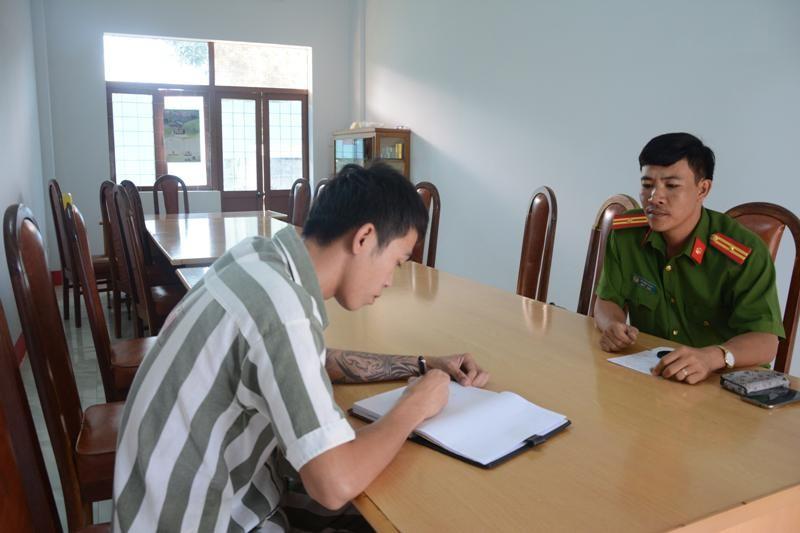 Trại giam Đắk Trung, những người còn ở lại - kỳ 1: 'Tôi không dám vẽ mẹ' - ảnh 2