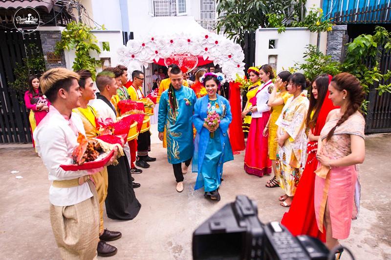 DJ Wang Trần chơi sốc khi rước dâu bằng dàn mô tô cổ - ảnh 11