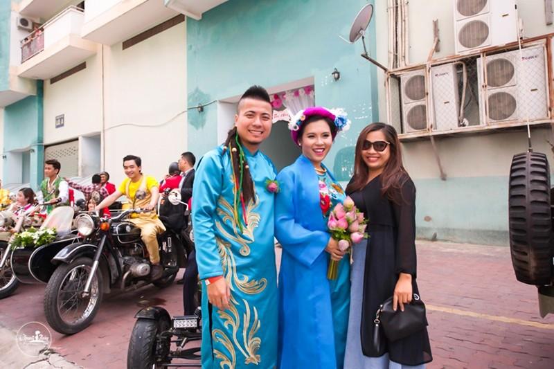 DJ Wang Trần chơi sốc khi rước dâu bằng dàn mô tô cổ - ảnh 3