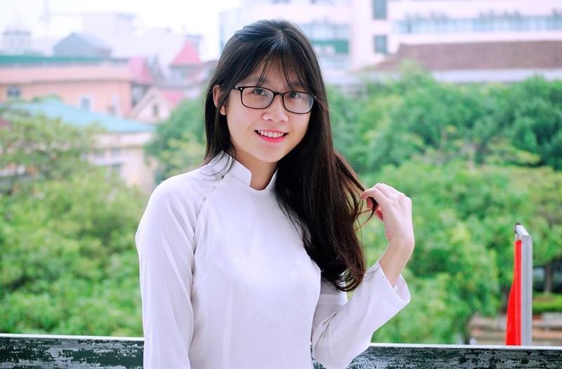 Nữ sinh Quốc học Vinh cực xinh trong tà áo trắng - ảnh 10
