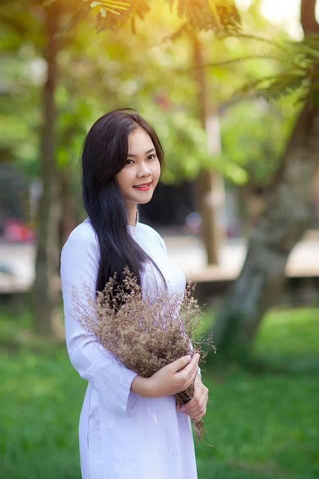 Nữ sinh Quốc học Vinh cực xinh trong tà áo trắng - ảnh 5