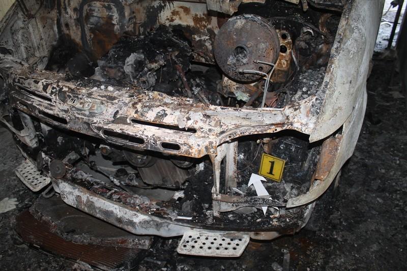 Hoảng vì ô tô đậu trong hầm chung cư bất ngờ bốc cháy - ảnh 3