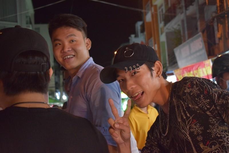 Chật vật chen chân đi chợ Hạnh Thông Tây ngày cuối năm - ảnh 9