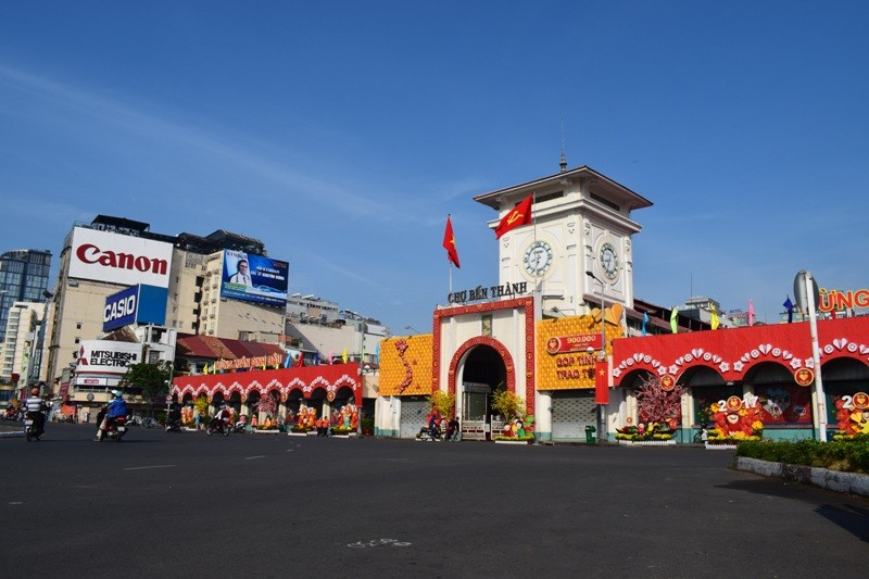 Sài Gòn thênh thanh, bình lặng trong sáng đầu năm - ảnh 11