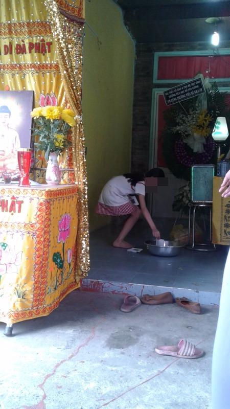 Đau đớn xé lòng ở đám tang bé 6 tuổi bị BVDP sát hại - ảnh 3