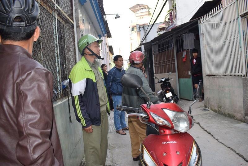 Tên cướp gài điện,tử thủ trong nhà dân ở quận Tân Bình  - ảnh 2