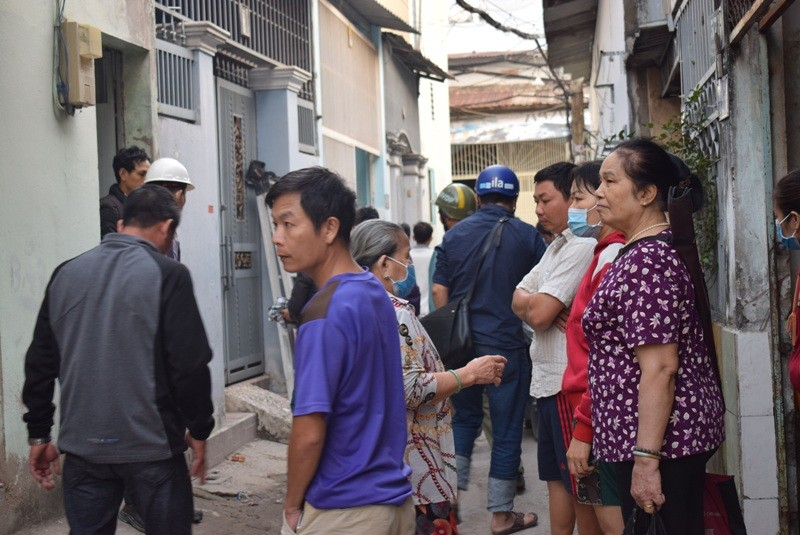 Tên cướp gài điện,tử thủ trong nhà dân ở quận Tân Bình  - ảnh 8