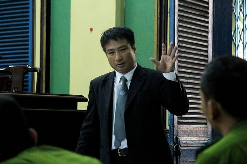 LS Hoàng Cao Sang đề nghị tòa trả hồ sơ để điều tra bổ sung nguyên nhân cái chết của nạn nhân...