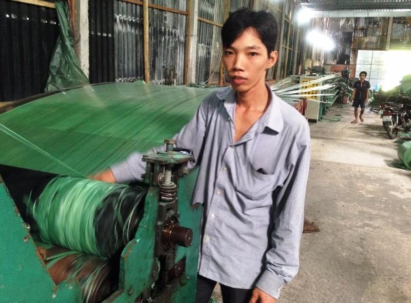 Sau khi được tuyên bố oan anh Sang đã có việc làm ổn định (ảnh: THANH TÙNG)