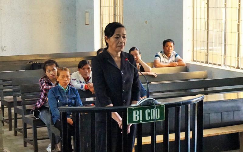 Tạm dừng phiên xử cựu phó chánh án nhận hối lộ - ảnh 1