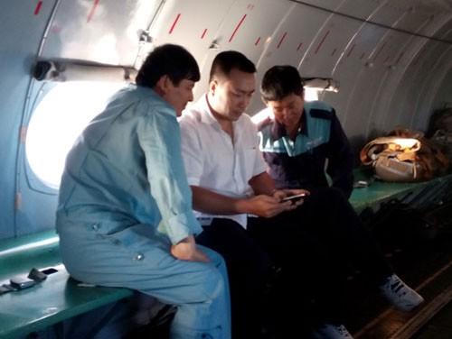 Tìm kiếm máy bay Malaysia mất tích: Đang ăn cơm…. bay liền để ứng cứu - ảnh 4