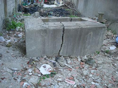 Ngôi mộ cải táng năm 1961 của Đại thần Lê Văn Phong