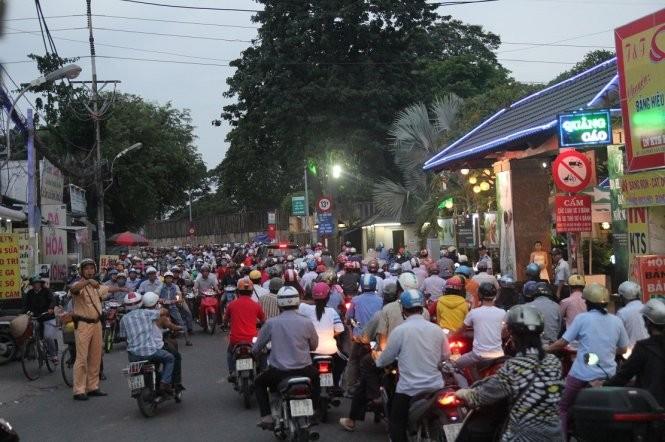 Nhận đất quốc phòng mở rộng đường Phan Văn Trị - ảnh 1