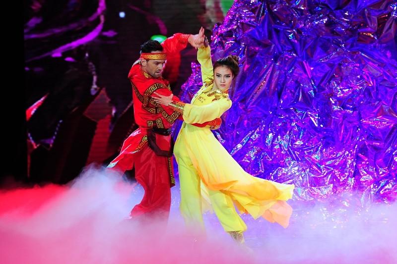 Nữ hoàng 'Bước nhảy hoàn vũ': Cuộc đua giữa Lan Ngọc và Angela Phương Trinh? - ảnh 2
