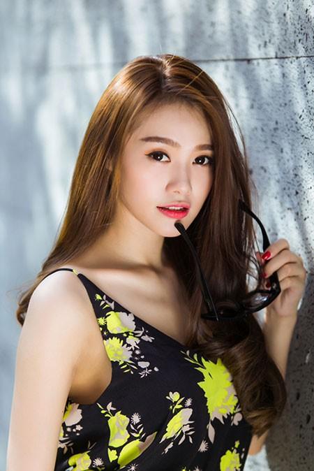 Linh Chi, người đẹp, đi khách, làm gái, Khắc Tiệp, má mì