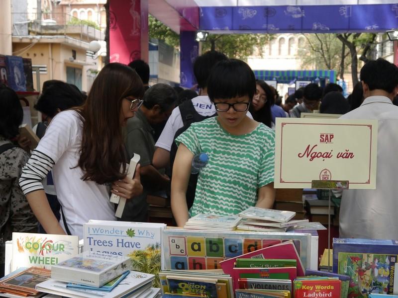 Rộn ràng Ngày sách Việt Nam lần 2 tại TP.HCM - ảnh 3