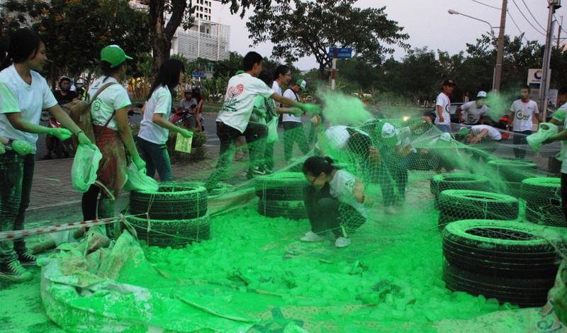 Hơn 2.000  bạn trẻ  Sài Gòn khuấy động Ngày Trái đất Việt Nam 2015 - ảnh 6