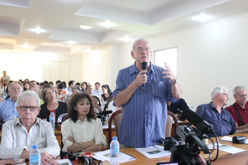 50 phóng viên quốc tế giao lưu với giảng viên, SV ĐHQG - ảnh 5