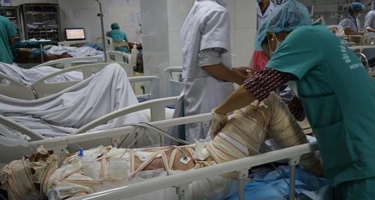 Người mẹ lao vào lửa cứu hai con đã tử vong  - ảnh 1