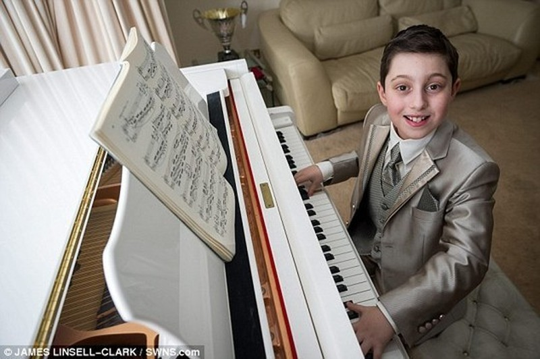 Hé lộ thú vị về thần đồng âm nhạc 11 tuổi