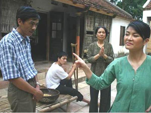 Cảnh trong phim Ma làng