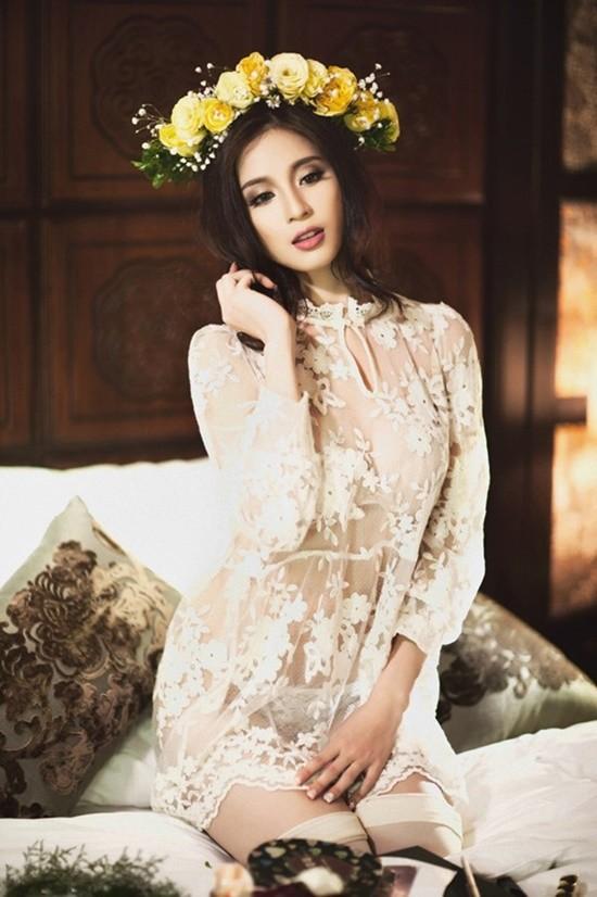hotgirl, đầu tiên, Quỳnh Chi, Tâm Tít, Mi Vân, Vân Hugo, Huyền Lizzie, Ngọc Anh