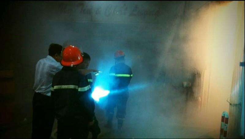Cứu hơn 100 tấn thanh long khỏi hỏa hoạn - ảnh 1
