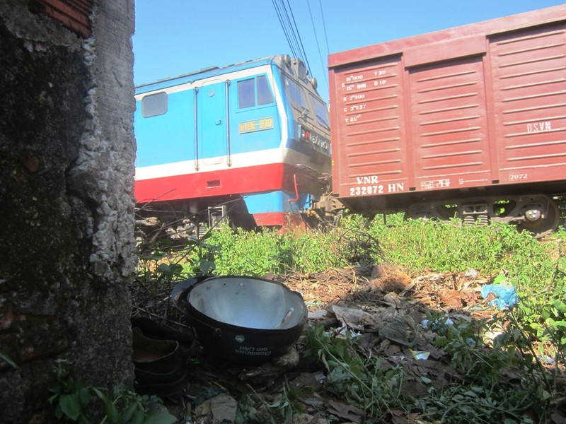 Va chạm với tàu hỏa, cụ ông 72 tuổi tử vong - ảnh 1