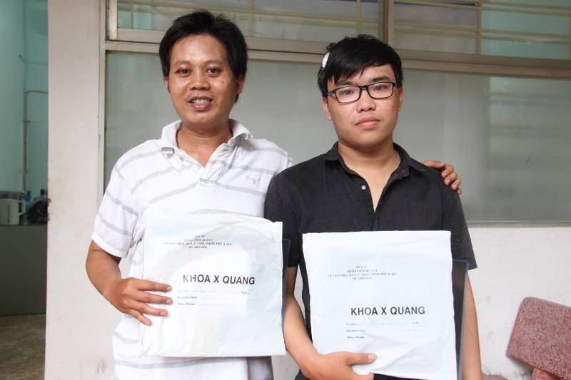 Thông tin mới vụ hai phóng viên báo Giao thông bị côn đồ hành hung - ảnh 1
