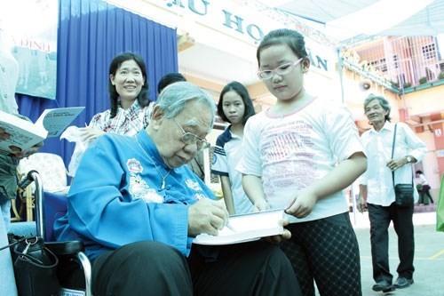 GS Trần Văn Khê, người đầu tiên đưa âm nhạc cổ truyền VN ra thế giới - ảnh 3