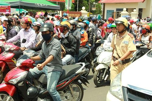 Đà Nẵng, Đắk Lắk: gần 800 thí sinh bỏ thi môn Toán - ảnh 5