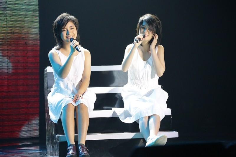 Hai con gái nhạc sĩ cũng nối nghiệp cha khi thể hiện khả năng sáng tác
