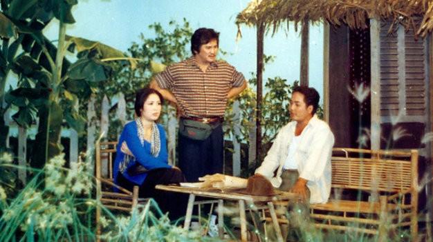 Hồng Vân, Lê Vũ Cầu, Nguyễn Sanh (từ trái qua) trong một tiết mục Trong nhà ngoài phố - Ảnh: N.C.