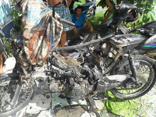 Xe Honda đột nhiên bốc cháy - ảnh 1