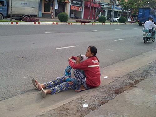Đủ chiêu giả dạng bệnh hoạn để xin tiền ở Biên Hòa - ảnh 1