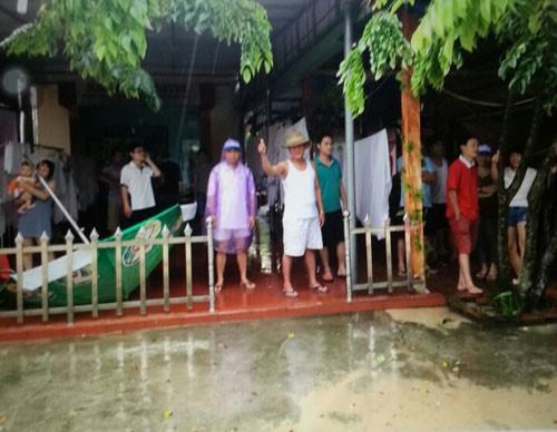 Quảng Ninh: Trên 1.000 du khách bị mắc kẹt trên đảo - ảnh 2