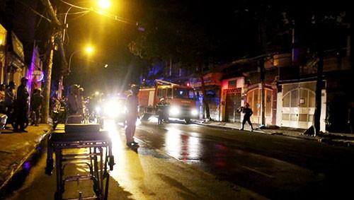 Cháy khách sạn, 5 người nhập viện - ảnh 1