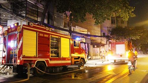 Cháy khách sạn, 5 người nhập viện - ảnh 2