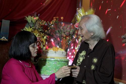Nhạc sư Vĩnh Bảo đờn xuất thần trong đêm mừng thọ 98 tuổi - ảnh 6