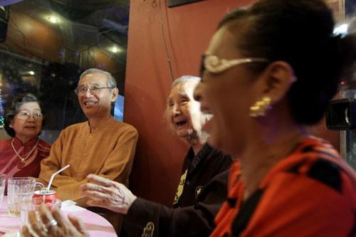 Nhạc sư Vĩnh Bảo đờn xuất thần trong đêm mừng thọ 98 tuổi - ảnh 8