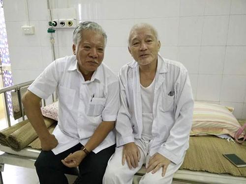 Nhà văn Nguyễn Khắc Phục: Nằm trên giường bệnh chữa ung thư vẫn say viết  - ảnh 2