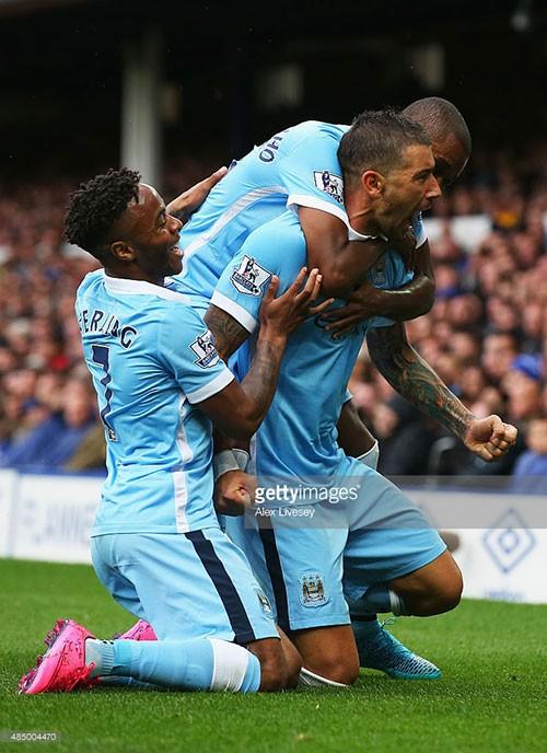 Everton 0-2 Man City: Màu xanh thành Man chiếm ngôi đầu bảng - ảnh 1