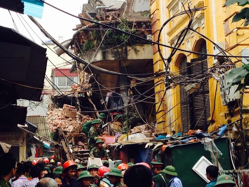 Chùm ảnh vụ sập tòa biệt thự kiểu Pháp  ở Hà Nội - ảnh 3