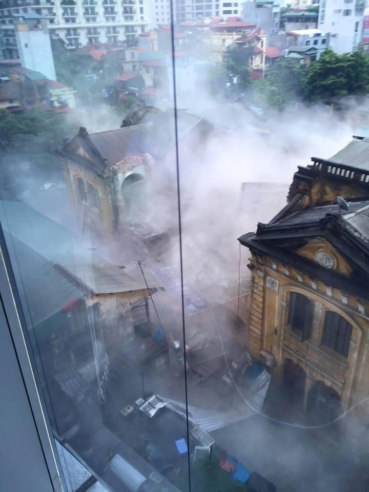 Chùm ảnh vụ sập tòa biệt thự kiểu Pháp  ở Hà Nội - ảnh 1