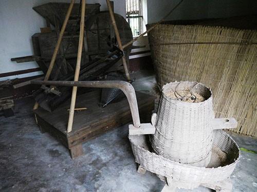 Nơi lưu giữ nhiều nông cụ xa xưa trên dải đất miền Trung - ảnh 1