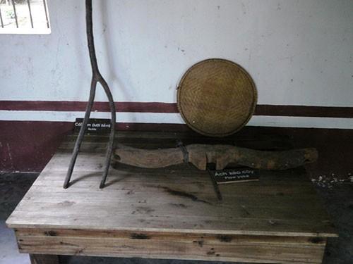 Nơi lưu giữ nhiều nông cụ xa xưa trên dải đất miền Trung - ảnh 2